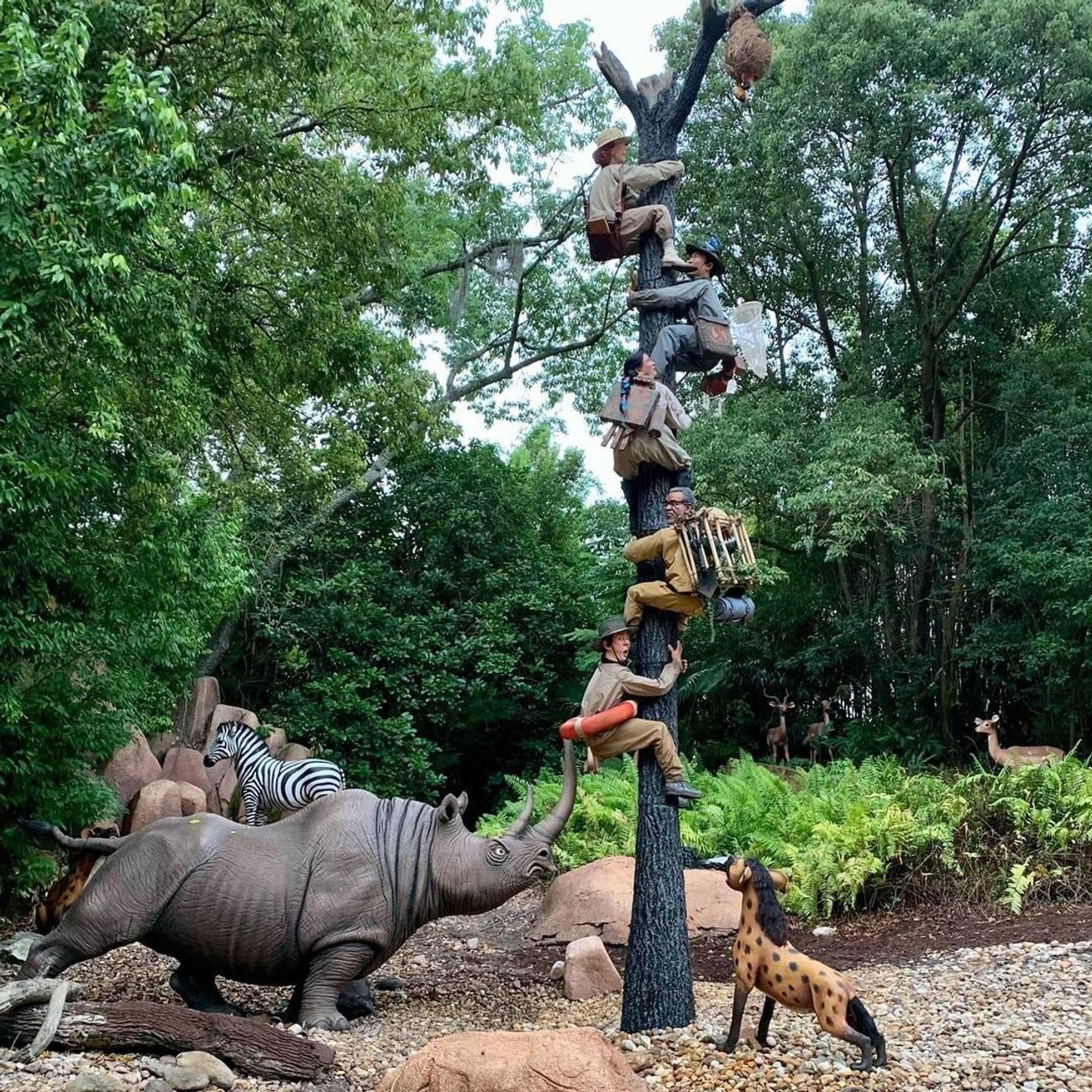 Jungle Cruise trapped safari scene