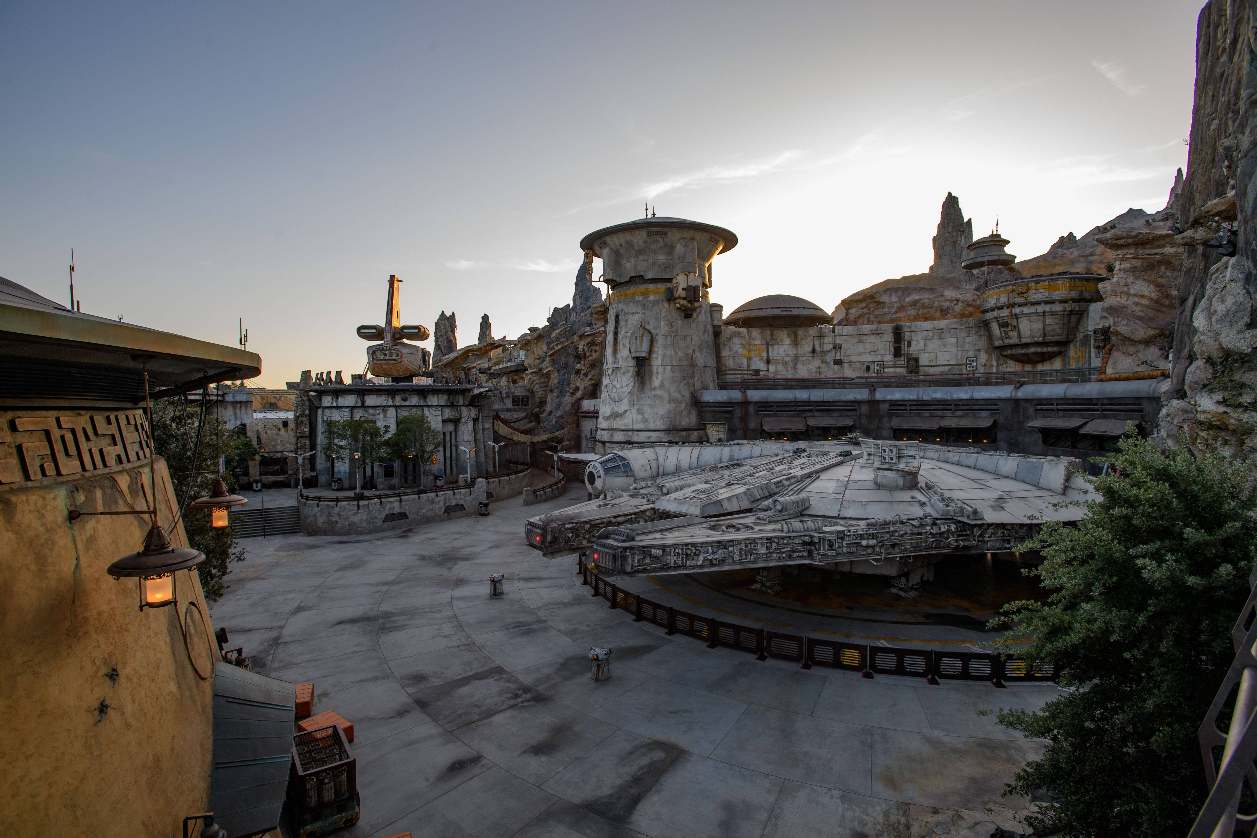 Millennium Falcon Smugglers Run overview