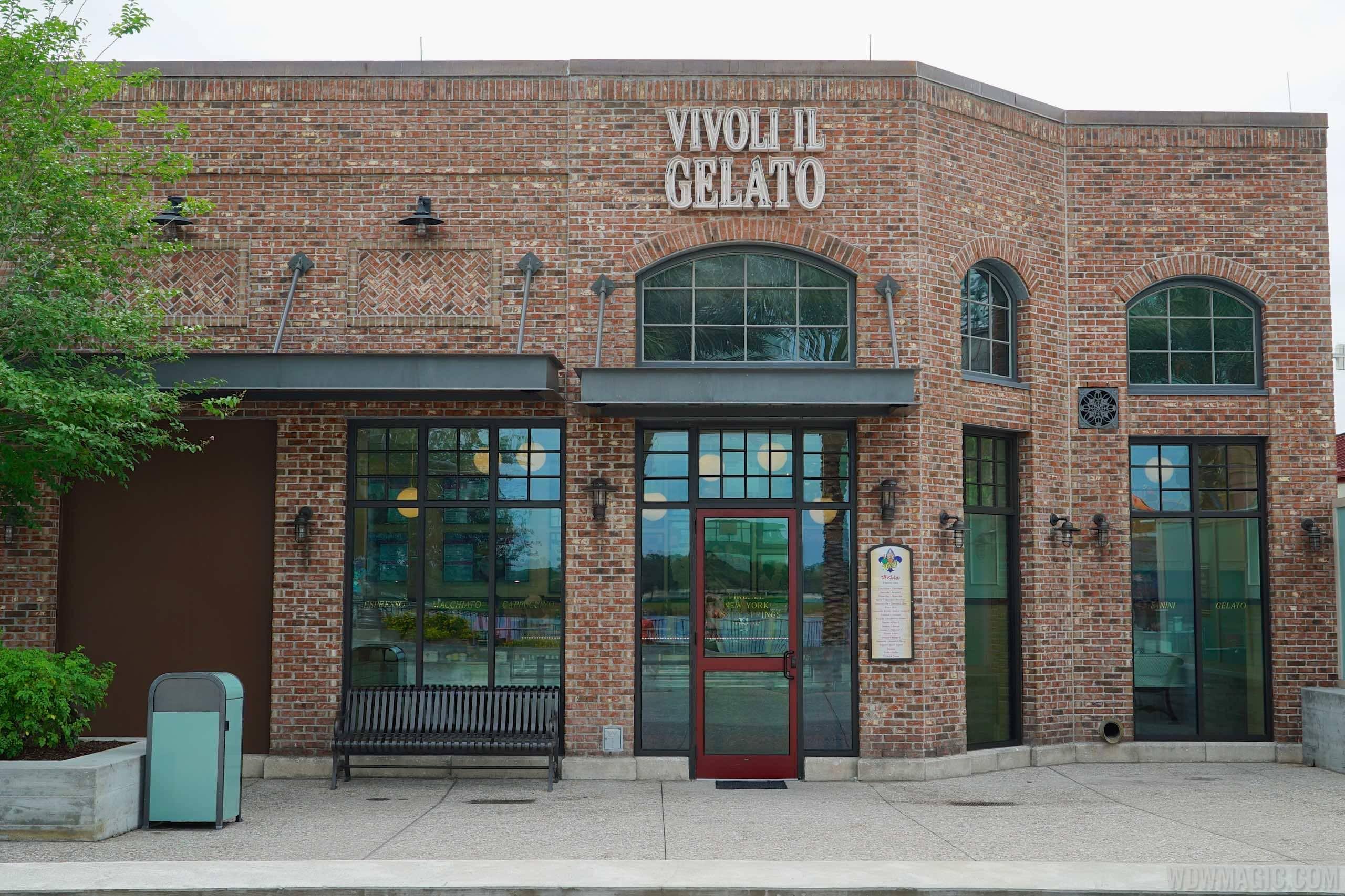 Vivoli Gelateria interior and food
