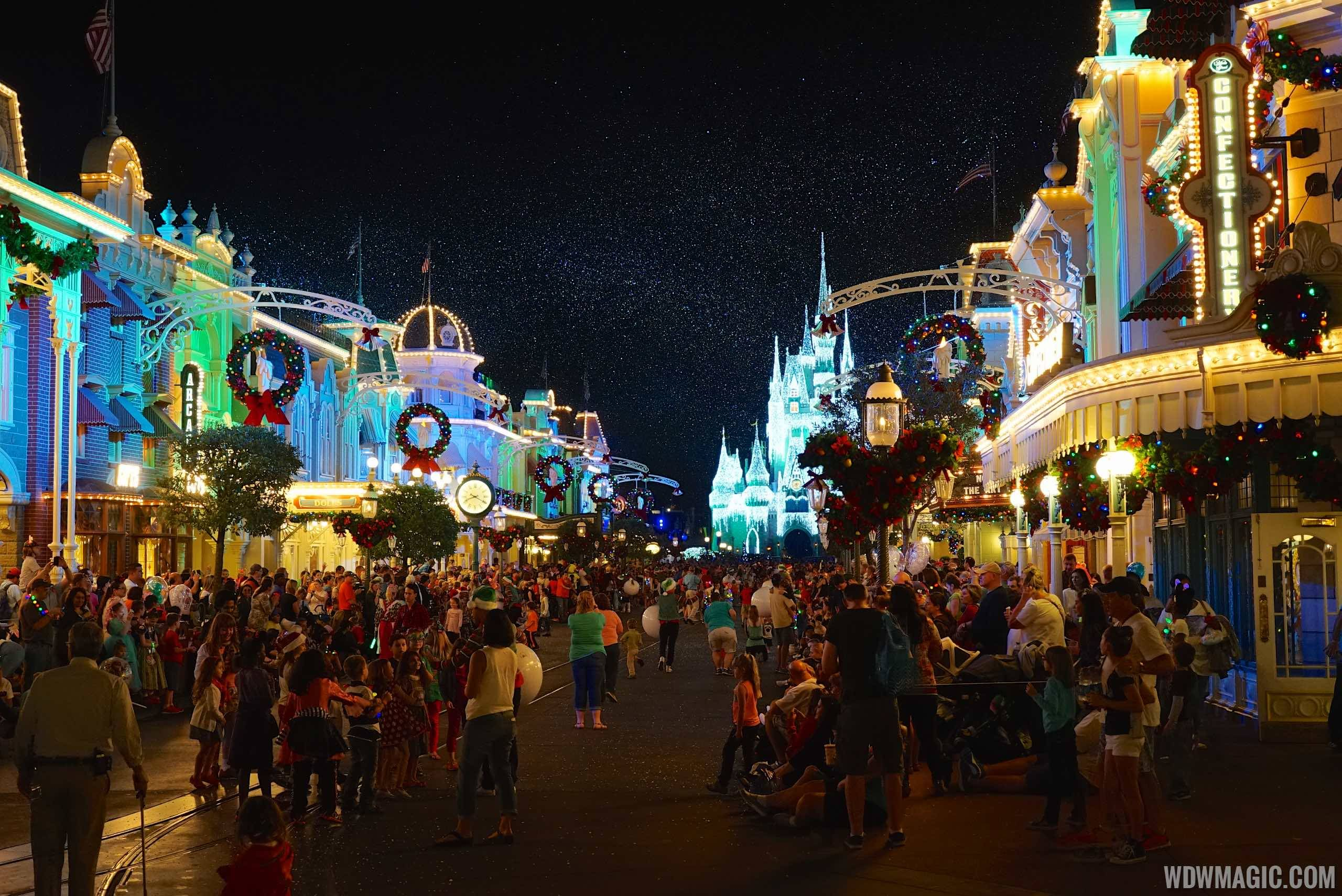 Mickey's Very Merry Christmas Party overview